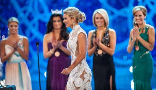 Miss South Carolina, Ali Rogers on stage at Miss America 2013